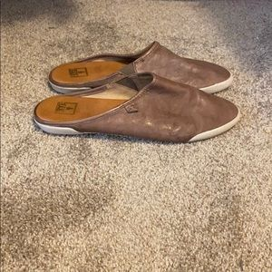 FRYE EUC leather slides